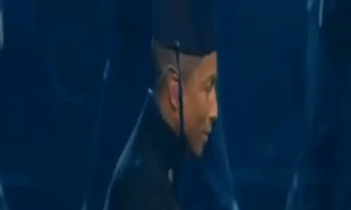 Pharrell Williams tại Grammy 2015