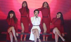 Đông Nhi, Giang Hồng Ngọc, Isaac kết hợp trong gala The Remix