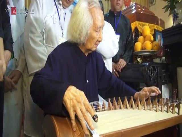 Hòa nhạc dân ca tại tang lễ Giáo sư Trần Văn Khê