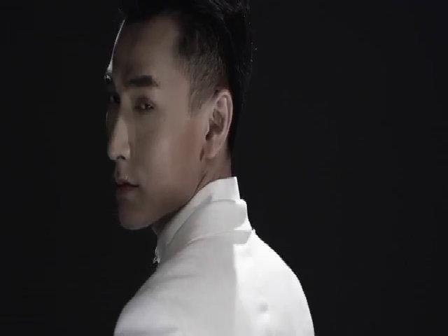 """MV """"Mr. Right - Khi anh yêu em"""" của Isaac"""