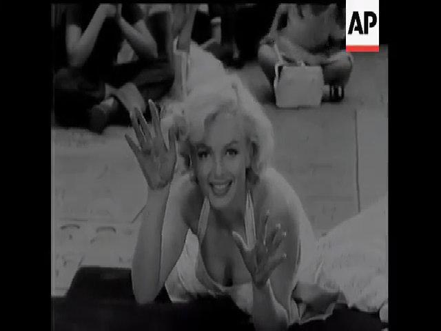 Marilyn Monroe in dấu vân tay tại nhà hát Grauman's Chinese