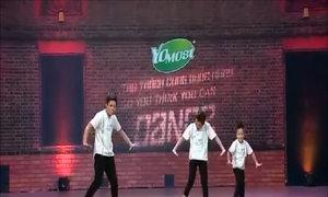 Giám khảo 'Bước nhảy' xúc động vì ba anh em mồ côi mẹ
