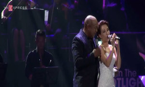 'Tonight I Celebrate My Love for You' - Peabo Bryson và Uyên Linh