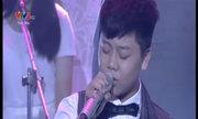 Quang Trường hát 'Đôi tay mẹ'