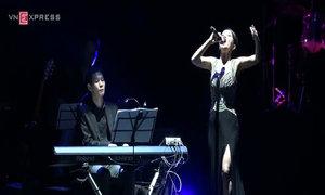Hồng Nhung hát 'Họa mi hót trong mưa'