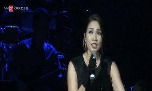 Mỹ Linh khóc khi hát ru trong đêm 'Để mãi được gần anh'