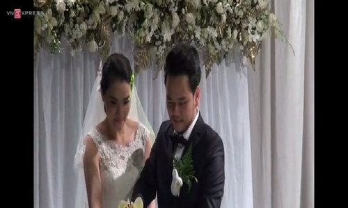 Trang Nhung tất bật trong đám cưới tại Hà Nội