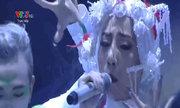 Đội Hằng Bing Boong hát 'Ra ngõ tụng kinh'