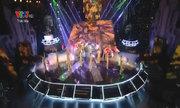 Đội Hoàng Thùy Linh hát 'Bánh trôi nước'