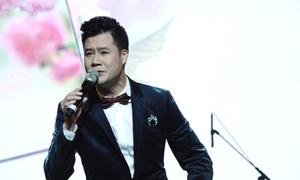 Quang Dũng hát 'Tình tự mùa xuân'