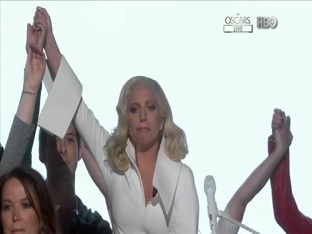 Lady Gaga biểu diễn ca khúc 'Til It Happens to You'