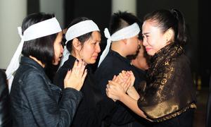 Các nghệ sĩ nghẹn ngào đưa tiễn nhạc sĩ Lương Minh