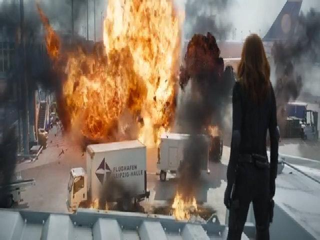 Bom tấn 'Captain America: Civil War' trình làng Người Nhện