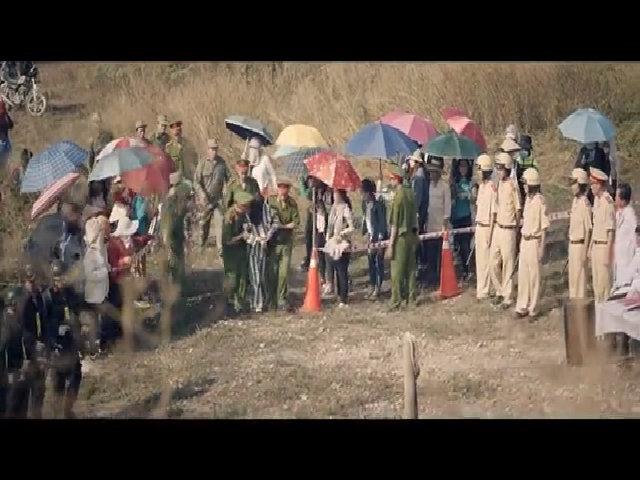 Thu Trang vào vai bà mẹ thiểu năng bị xử bắn trong phim 'Nắng'