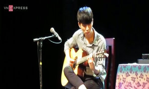 Sungha Jung gảy đàn ca khúc 'Riding a bicycle'