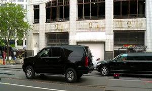 Hậu trường cảnh xe hơi lao từ trên cao xuống phố trong 'Fast 8'
