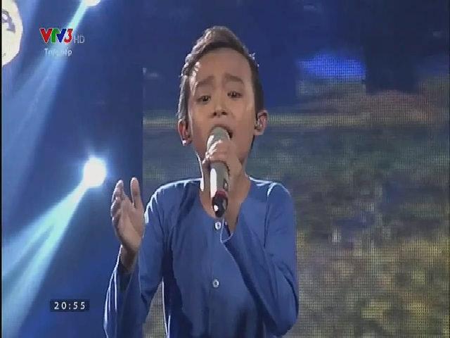 Hồ Văn Cường hát 'Sa mưa giông'