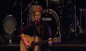 'Living Next Door to Alice' (live năm 2013) - Chris Norman