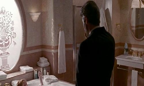 Trích đoạn Julia Roberts tắm gây hớp hồn tỷ phú trong 'Pretty Woman'
