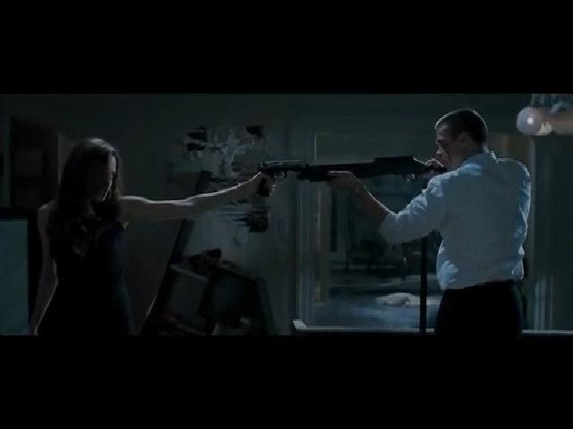 Cảnh Brad Pitt đánh nhau với Angelina Jolie trong 'Mr. & Mrs. Smith'