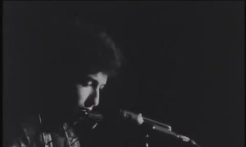 "Bob Dylan hát ""It's Alright, Ma (I'm Only Bleeding)'"