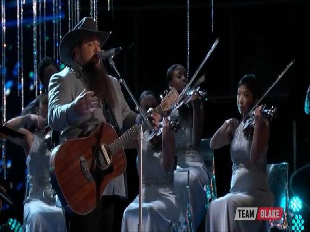Thí sinh American Idol chiến thắng tại The Voice 2016