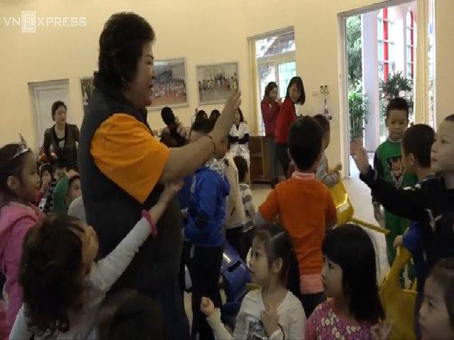 """NSƯT Minh Vượng: """"Tôi không có gia đình nên thèm khát trẻ con"""""""