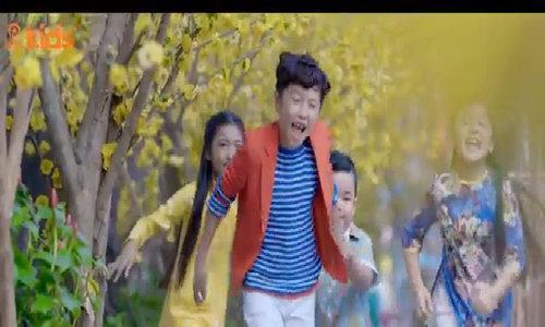 Mẫu nhí Ben Lee ra mắt MV 'Ngày xuân long phụng sum vầy'