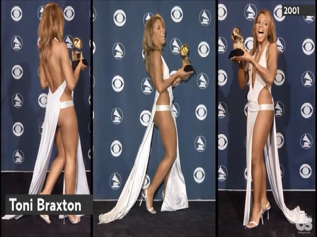Những chiếc váy khoe da thịt của sao ở các mùa Grammy