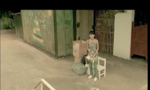 Trương Thiều Hàm hát nhạc phim 'Chuyện tình biển xanh'
