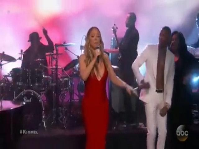 Mariah Carey lần đầu biểu diễn sau sự cố hát nhép