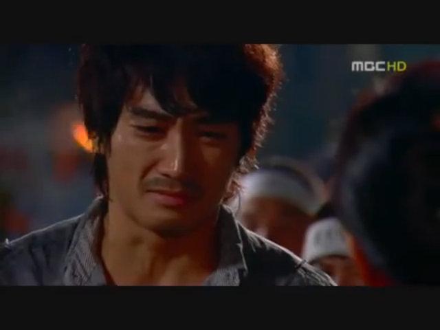 Song Seung Hun đóng vai Lee Dong Chul