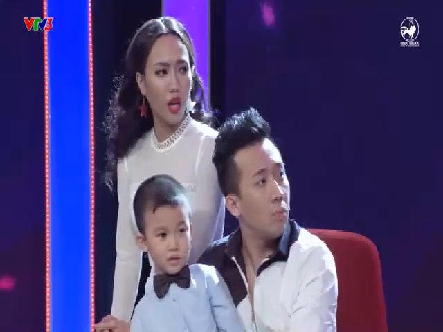 Bé Minh Khang hôn tay nữ diễn viên và nói 'I love you'