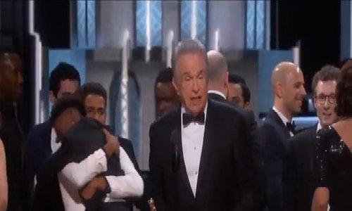Công ty kiểm toán nhận lỗi trao nhầm phong bì Oscar