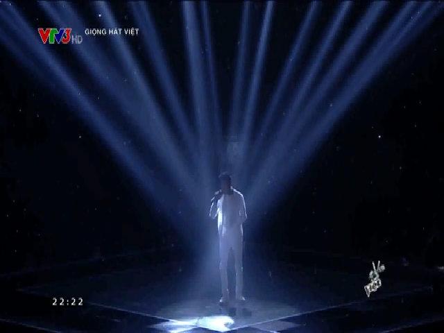 Phan Duy Anh hát 'Phía sau một cô gái'