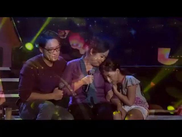 Hồng Vân và con trai hát 'Đạo làm con'
