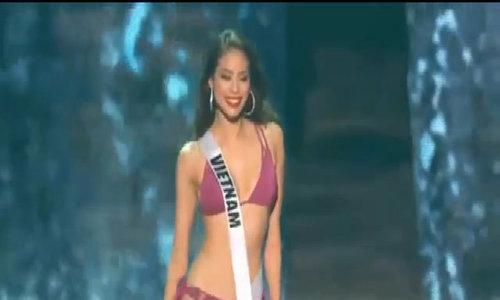 Phạm Hương mặc bikini ở Hoa hậu Hoàn vũ Thế giới 2015