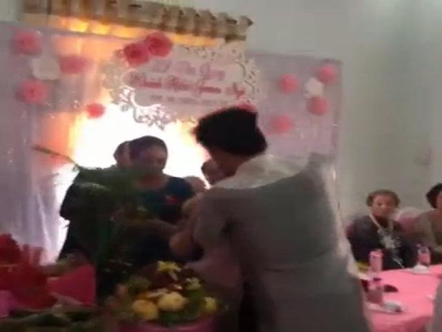 Đám hỏi Khánh Hiền và chồng Việt kiều