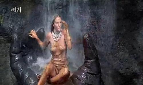 King Kong âu yếm người đẹp Jessica Lange