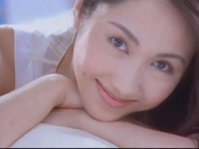 Vẻ ngọt ngào của Lê Tư trong video ca nhạc
