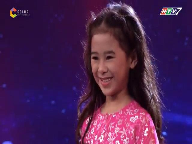 Bé 9 tuổi cười méo khi bị loại khỏi game show hát dân ca
