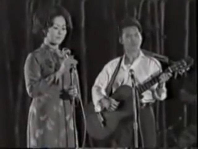 Khánh Ly hát 'Ru ta ngậm ngùi'