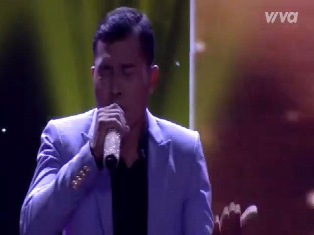 Thí sinh hát 'Về đâu mái tóc người thương' bằng tiếng Campuchia