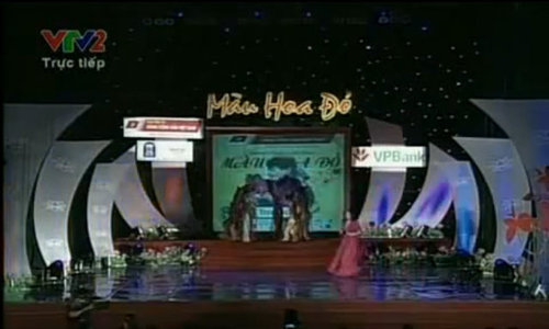 Thanh Lam hát 'Màu hoa đỏ'