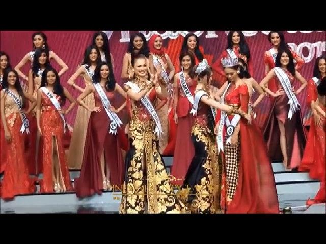 Khoảnh khắc đăng quang Hoa hậu Indonesia 2017