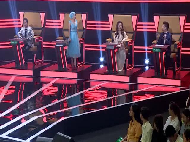 Phương Thanh vái lạy Quang Dũng trên 'ghế nóng'