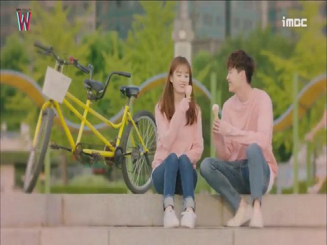 """Cảnh hẹn hò lãng mạn của Han Hyo Joo và Lee Jong Suk trong """"W"""""""