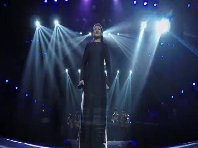 Khánh Ly hát 'Huế - Sài Gòn - Hà Nội'