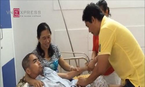 Diễn viên Nguyễn Hoàng được người nhà chăm sóc