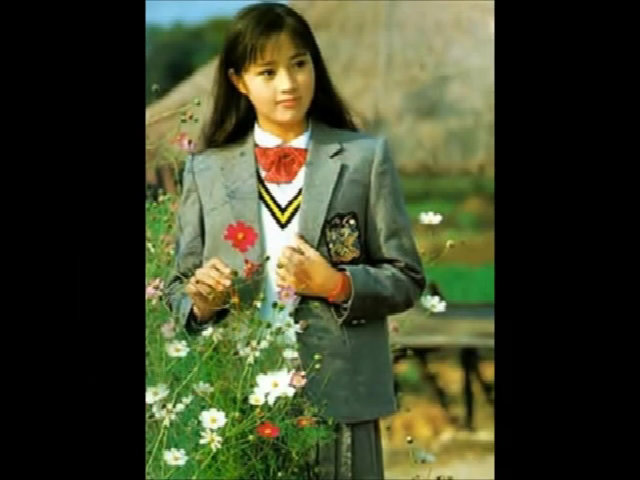 Nhan sắc dịu ngọt, thanh tao thuở trăng tròn của 'Nữ hoàng sexy' Kim Hye Soo